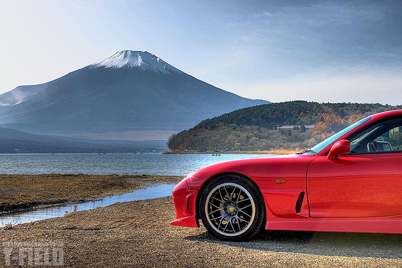 晩秋 富士山とRX-7 山中湖