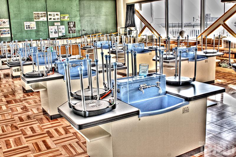 学校の机 HDR