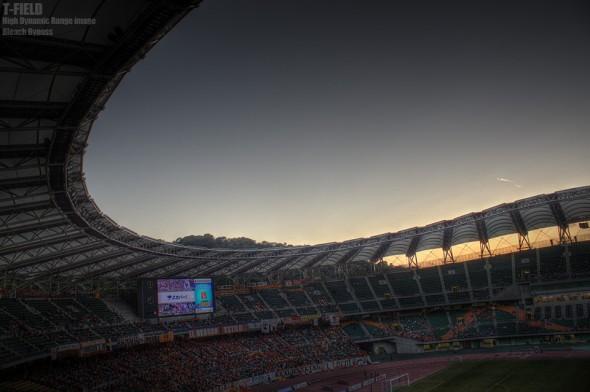 夕闇のエコパスタジアム