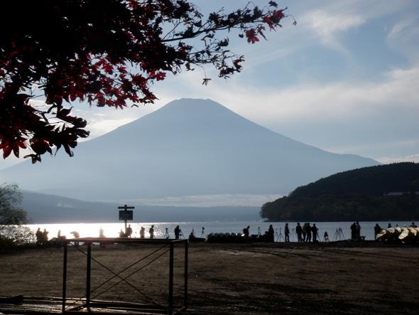 山中湖 カメラマンびっしり