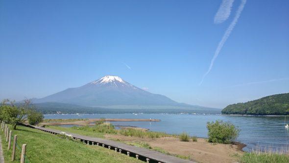 山中湖きらら前からの富士山
